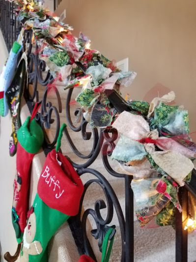 DIM, Did It Myself: Twinkling Christmas Fabric Garland
