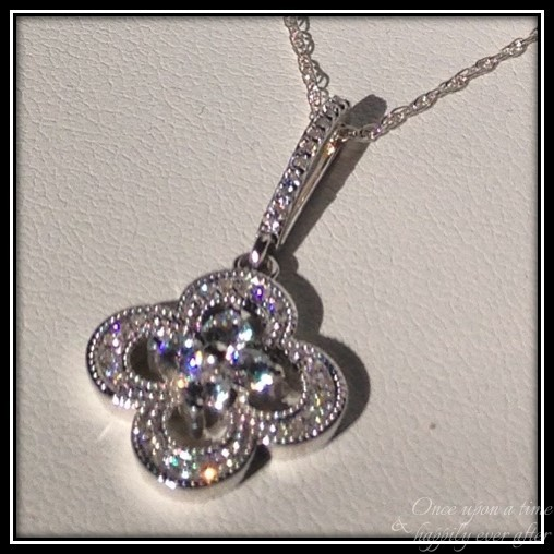 http://www.anjolee.com/diamond-pendant-necklace/diamond-necklaces