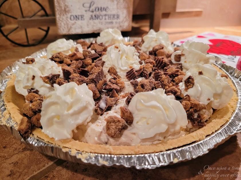 Quick & Easy Reese's Pie: Tasty Tuesday 02.2021